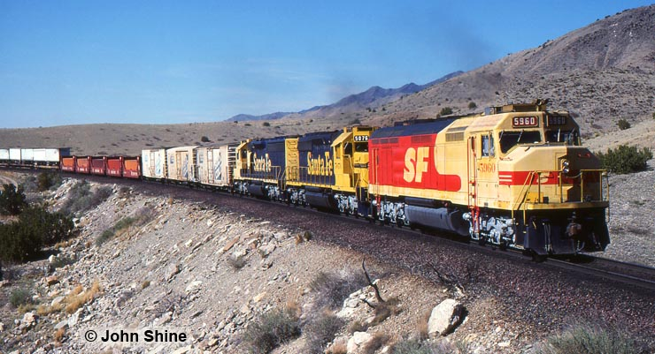 Santa Fe 5960 at Abo Canyon, New Mexico